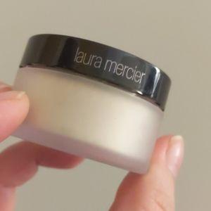 New Laura Mercier powder